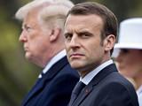 Tổng thống Pháp Emmanuel Macron và Tổng thống Mỹ Donald Trump (phía sau). Ảnh: CNBC