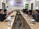 Đoàn công tác của Bộ Công thương làm việc tại một doanh nghiệp dệt may