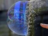 Người dân ùn ùn mở tài khoản, liệu có 'bong bóng' trên thị trường chứng khoán?