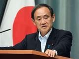 """Thủ tướng Yoshihide Suga tuyên bố không thể chấp nhận việc Trung Quốc sử dụng """"Luật Hải cảnh"""" khiến tình hình ở biển Hoa Đông và Biển Đông gia tăng căng thẳng (Ảnh: Dongfang)."""