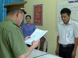 Công an tỉnh Sơn La đọc lệnh khởi tố bị can Trần Xuân Yến.