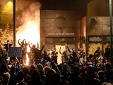 Cơ quan tình báo Mỹ đánh giá có bằng chứng các nhóm cực đoan có tổ chức liên quan đến bạo lực trong biểu tình - Ảnh: AP
