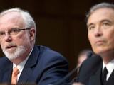 Ông David Shear, cựu Trợ lý Bộ trưởng Quốc phòng, nguyên Đại sứ Hoa Kỳ tại Việt Nam (bên trái). Ảnh: AP.