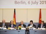 Thủ tướng Nguyễn Xuân Phúc chủ trì cuộc gặp gỡ, đối thoại với một số doanh nghiệp hàng đầu của Đức