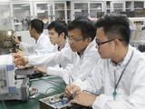 Các kỹ sư của Viettel đang nghiên cứu phát triển công nghệ mới (ảnh: Viện Nghiên cứu và Phát triển Viettel)