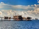 Doanh nghiệp xăng, dầu lao đao vì giá xuống đáy