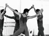 Những giọt mồ hôi của nghệ sĩ múa trên sàn tập
