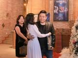 """Đàn anh Quang Lê ôm chúc mừng Thúy Huyền ra mắt MV mới, ca khúc được nhạc sĩ Song Ngọc phổ thơ """"Hai sắc hoa Ti gôn"""""""