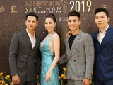 Các nam vương Mister International 2018 Trịnh Bảo và Manhunt international Trương Ngọc Tình (bên phải ảnh).