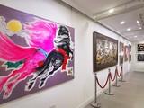 Tranh của họa sĩ Lê Trí Dũng và Văn Chiến đang được trưng bày tại Nhà Đấu giá Nghệ thuật Chọn (63 Hàm Long, Hà Nội)