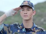 """Song Luân trong """"Hậu duệ Mặt trời"""" Việt Nam với hình ảnh sắc áo lính gây ấn tượng"""