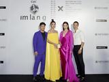 Thanh Hằng - Hà Hồ sóng đôi xuất hiện tại Triển lãm Nguyễn Công Trí