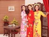 Top 3 Hoa hậu Hoàn vũ 2019 trong áo dài của NTK Thủy Nguyễn gửi lời chúc mừng năm mới 2020