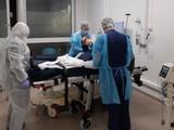Bệnh viện dã chiến tại Pháp điều trị COVID-19 (Ảnh: France info)