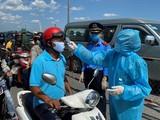 Ra quân ở 62 chốt trạm kiểm soát bệnh dịch COVID-19 (Ảnh: Phú An)