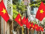 Treo cờ Tổ quốc mừng Tết Độc lập 30/4 trên mọi vùng miền cả nước (Ảnh: TB)