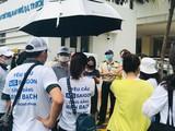 Phụ huynh AIS Saigon căng thẳng đòi công bằng trong việc thu học phí khi học sinh nghỉ tránh dịch (Ảnh: PH)