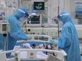 Điều trị ECMO cho bệnh nhân 91, tin vui là phi công người Anh nhận kết quả âm tính tới 12 ngày liền (Ảnh: TTXVN)