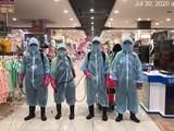 Nhân viên y tế khử khuẩn Aeon Mall Bình Tân - Ảnh: Aeon Mall cung cấp