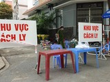 Khu vực đang phong tỏa tại phường Hòa Thạnh, quận Tân Phú (Ảnh: Nguyễn Tân)