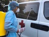 Chiếc xe 16 chỗ chở BN1440 chưa khử khuẩn mà còn chở nhiều người khác (Ảnh: BYT)