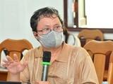 Bác sĩ Trương Hữu Khanh phát biểu về phòng chống dịch Covid-19. Ảnh: Việt Dũng