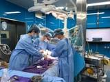 Bác sĩ của Bệnh viện phẫu thuật cứu bé N.