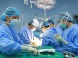Ca phẫu thuật ghép gan cho ông H. kéo dài tới 14 tiếng đồng hồ.
