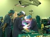 Ca phẫu thuật đầu tiên ghép đồng thời gan và thận cho bệnh nhân tại Bệnh viện Hữu nghị Việt Đức (Ảnh: BVCC)