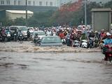 Theo thông tin từ Sở Xây dựng Hà Nội, với cường độ mưa trong khoảng từ 50mm-100mm trong khoảng 2h, Hà Nội vẫn tồn tại 15 điểm úng ngập.