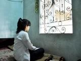 Các nạn nhân của những vụ xâm hại tình dục trẻ em đều bị ảnh hưởng nặng nề về mặt tâm lý, tình cảm. Trong ảnh: Một nạn nhân bị xâm hại tình dục khi chưa tròn 13 tuổi.