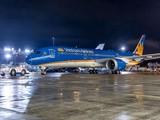 Vietnam Airlines khẳng định, trong tối ngày 28/5/2019, do ảnh hưởng của mưa dông tại khu vực TP. Hồ Chí Minh, nhiều chuyến bay nội địa, quốc tế tại sân bay Tân Sơn Nhất phải thay đổi thời gian khai thác. (Ảnh: VNA)