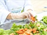 Hiện đang còn tồn tại nhiều khó khăn trong việc tuyên truyền, giáo dục về an toàn thực phẩm cho các hộ kinh doanh.