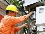 Bộ Công thương lo ngại về tình hình tiêu thụ điện được dự báo vẫn tiếp tục ở mức rất cao, nhiều khả năng sẽ lại tạo lập những kỷ lục mới.