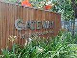 """Trường Gateway tự nhận là """"trường quốc tế""""."""