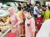 Theo lãnh đạo CDC Hà Nội, có những người dân ở khu phong toả vẫn đi chợ, đi siêu thị khiến cho tình hình chống dịch còn phức tạp.