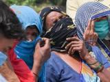 Nỗi thống khổ của người dân Ấn Độ khi mất đi người thân trong làn sóng dịch COVID-19 thứ hai (Ảnh: AFP)