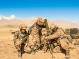Binh sĩ Trung Quốc lắp đặt súng cối trong một cuộc thử nghiệm bắn đạn thật ở độ cao 4.700 m (Ảnh: Asia Times)