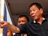 Tổng thống Duterte dọa bỏ tù những người từ chối tiêm vaccine COVID-19 (Ảnh: Reuters)