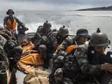 Trung Quốc đưa ra lời cảnh báo mới sau khi hoàn tất cuộc tập trận đổ bổ, tấn công bờ biển (Ảnh: Handout)