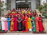 Tập thể các nhà khoa học nữ tại Viện Hóa học các hợp chất thiên nhiên. Ảnh: Viện Hàn lâm Khoa học và Công nghệ Việt Nam.