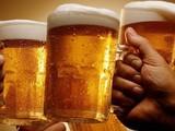 Tiêu thụ rượu, bia trong thời gian dài sẽ dẫn đến nghiện rượu. Ảnh: Internet