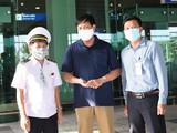 Thứ trưởng Bộ Y tế Đỗ Xuân Tuyên (giữa) kiểm tra công tác phòng, chống dịch COVID-19 tại Cảng Hàng không quốc tế Cần Thơ. Ảnh: Đình Anh - Bộ Y tế