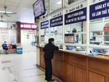 Người dân đăng ký khám bệnh tại Bệnh viện Xanh Pôn. Ảnh: BVCC