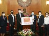 Công ty CapitaLand Việt Nam đã trao tặng Bộ Y tế 40.000 test xét nghiệm virus SARS-CoV-2. Ảnh: Thu Nguyệt
