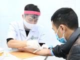 Người dân đến hiến máu tại Bệnh viện Hữu nghị Việt Đức. Ảnh: BVCC