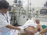 Bác sĩ khám bệnh cho bệnh nhân (Ảnh: BVCC)