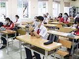 Học sinh đeo khẩu trang trong lớp để phòng dịch (Ảnh - Minh Thuý)