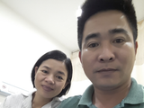Vợ chồng anh Minh, chị Hướng hạnh phúc khi có con (Ảnh - BVCC)