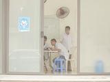 Bác sĩ làm việc ở Bệnh viện Tâm thần Trung ương I (Ảnh - Minh Nhân)